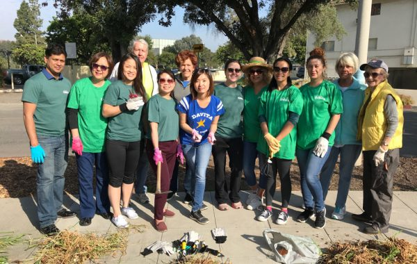 4/25/18 – Pasadena Central Library with Davita on Earth Day: Pasadena Beautiful Foundation would like to thank the staff at Davita for joining us on April 25th to weed and clean at the Pasadena Central Library in honor of Earth Day. We appreciate the time and effort of these 10 volunteers who joined us and did a fantastic job.